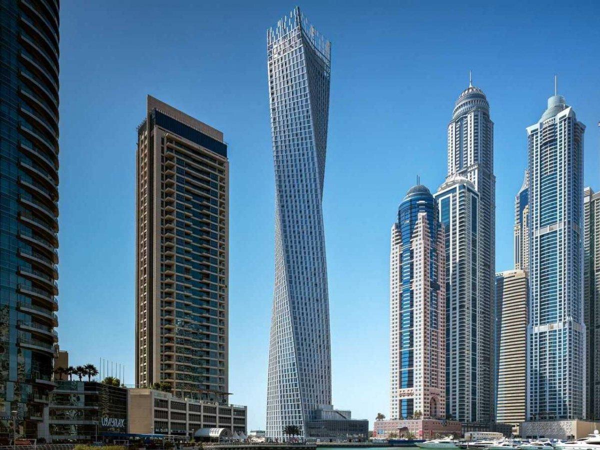 Cayan-Tower-Dubai
