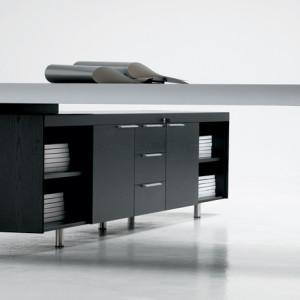 Frezza italian desk