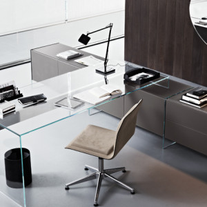 executive Air Desk